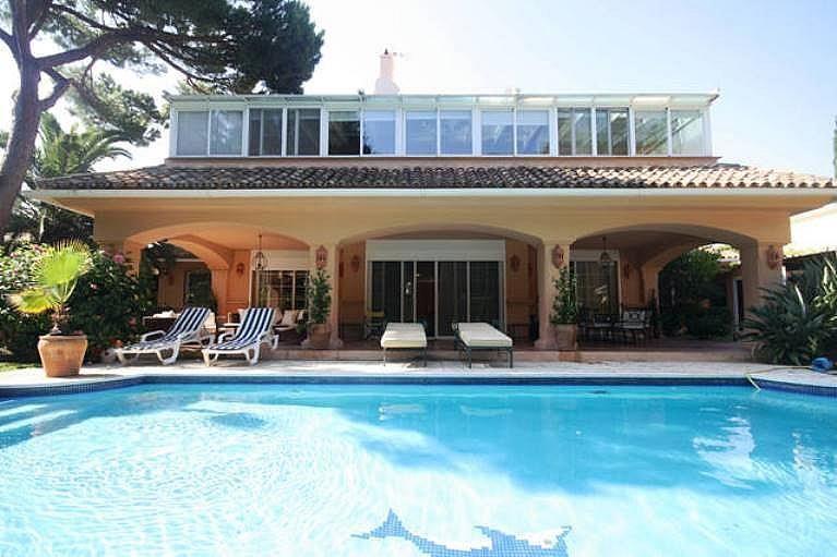 Fachada - Villa en alquiler en urbanización Benamara Playa, Estepona - 227431405