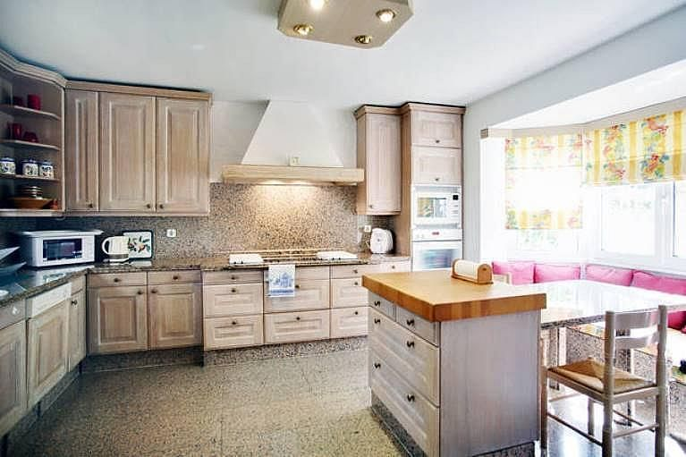 Cocina - Villa en alquiler en urbanización Benamara Playa, Estepona - 227431414