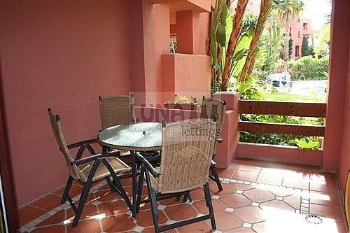 Piso en alquiler en calle Del Gaviero, Los Monteros-Bahía de Marbella en Marbella - 210811017