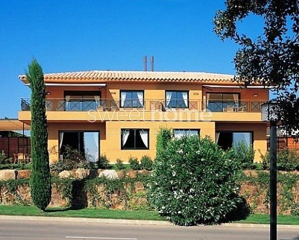 Apartamento en venta en Navata - 279417053