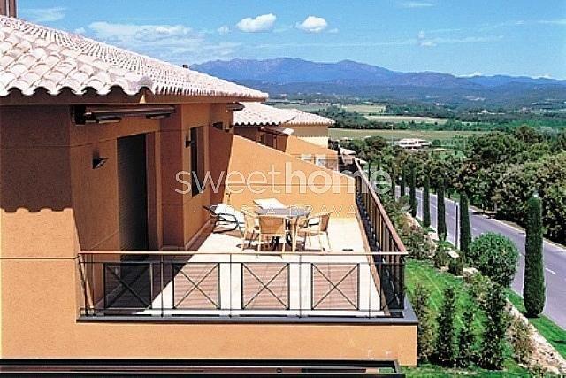 Apartamento en venta en Navata - 279417071