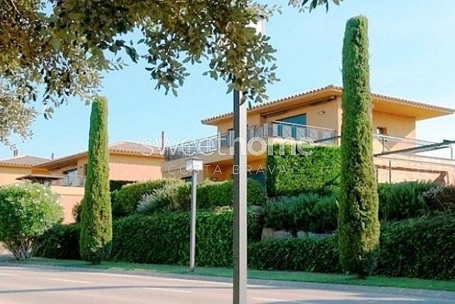 Apartamento en venta en Navata - 279417077
