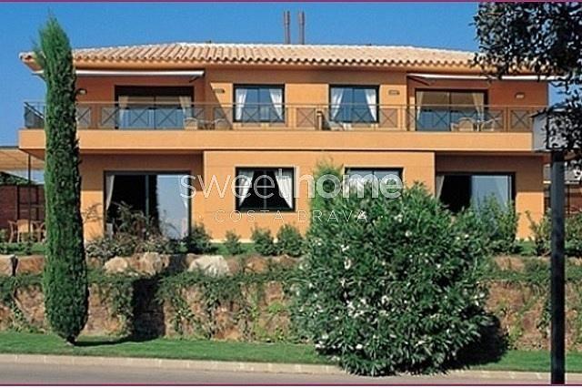 Apartamento en venta en Navata - 279417080