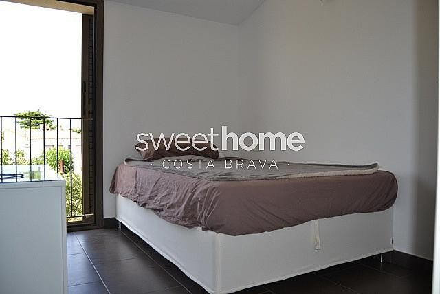 Casa adosada en alquiler en Palafrugell - 279418838