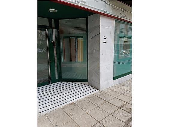 Local en alquiler en Los Remedios en Sevilla - 273037373