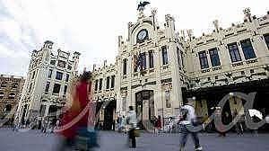 Foto - Local en alquiler en El Pla del Remei en Valencia - 325901118
