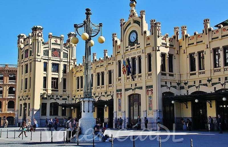 Foto - Local en alquiler en El Pla del Remei en Valencia - 325901139