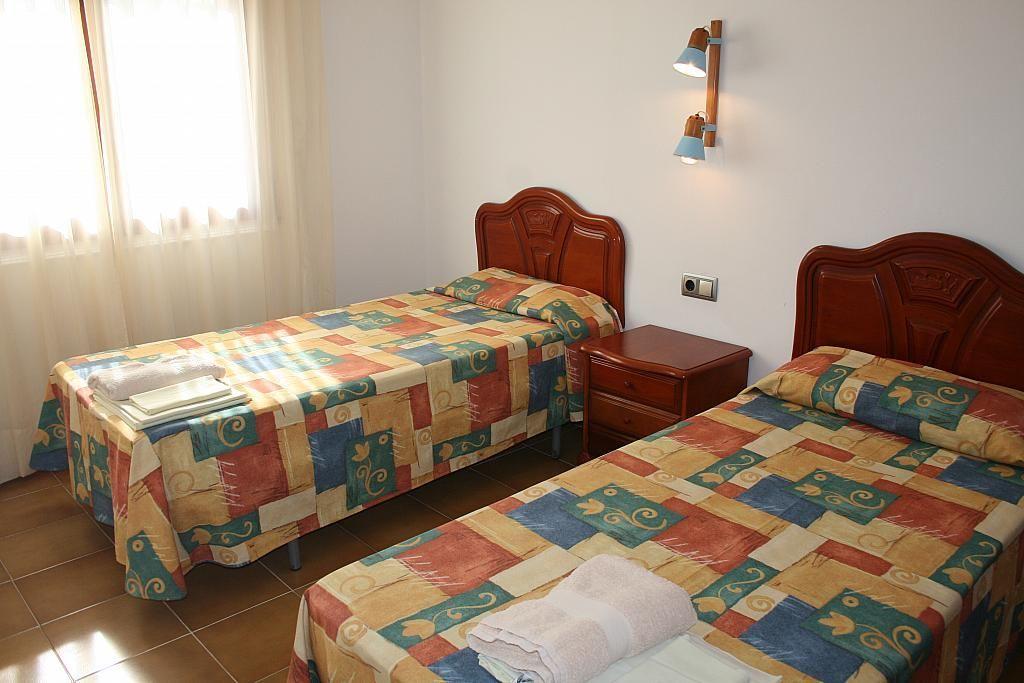 Dormitorio - Piso en alquiler de temporada en calle Tramuntana, Pals - 245427845