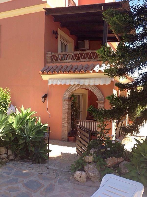 Villa en alquiler de temporada en urbanización Montecarlo, San Pedro de Alcántara - 183651559