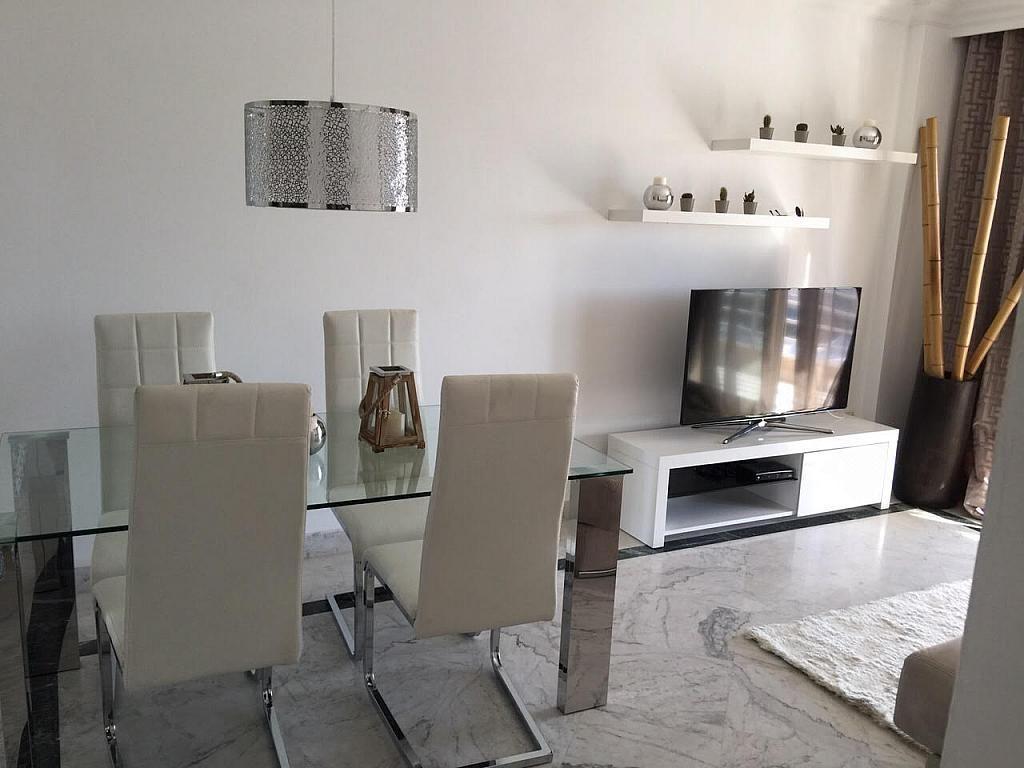Apartamento en alquiler de temporada en plaza Marina Banús, Nueva Andalucía-Centro en Marbella - 202151583