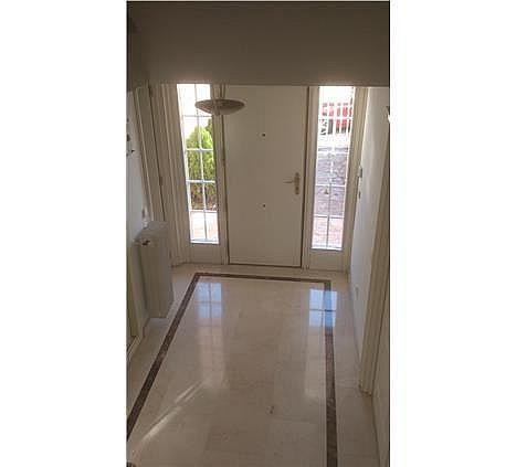 Casa en alquiler en calle Antonio Larrazabal, Piovera-Conde Orgaz en Madrid - 296278435