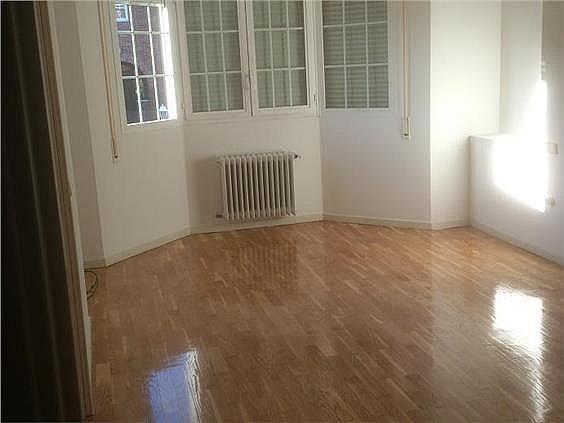Casa en alquiler en calle Antonio Larrazabal, Piovera-Conde Orgaz en Madrid - 296278444
