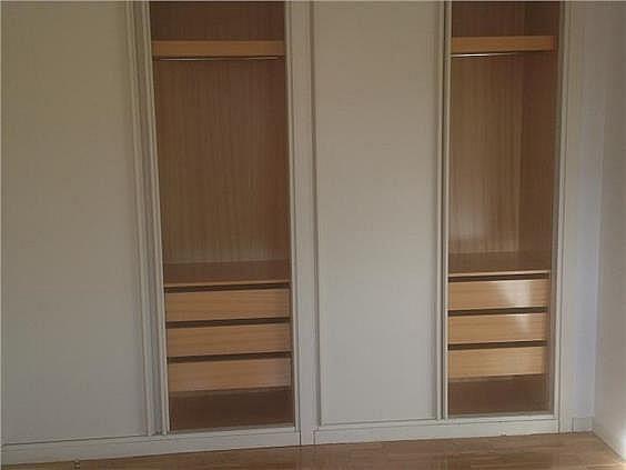 Casa en alquiler en calle Antonio Larrazabal, Piovera-Conde Orgaz en Madrid - 296278447