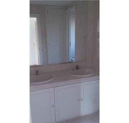 Casa en alquiler en calle Antonio Larrazabal, Piovera-Conde Orgaz en Madrid - 296278450
