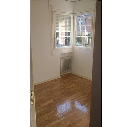 Casa en alquiler en calle Antonio Larrazabal, Piovera-Conde Orgaz en Madrid - 296278459