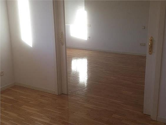 Casa en alquiler en calle Antonio Larrazabal, Piovera-Conde Orgaz en Madrid - 296278465
