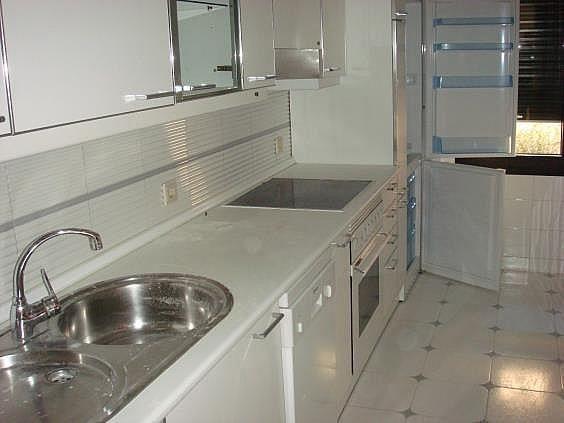 Apartamento en alquiler en calle Henri Dunand, Nueva España en Madrid - 328175078