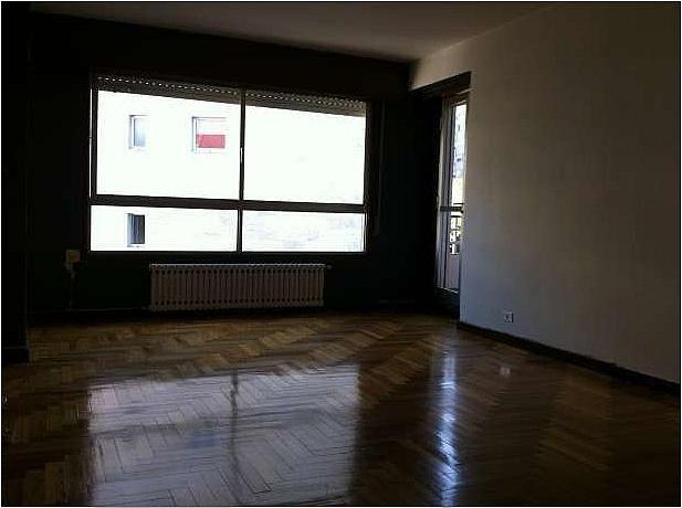 Piso en alquiler en calle Alvaro Cunqueiro, Castrelos-Sardoma en Vigo - 253648380