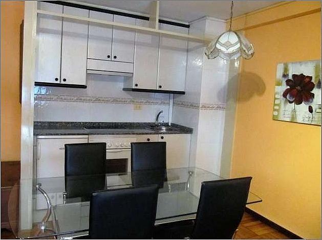 Piso en alquiler en calle Menendez Pelayo, Bouzas-Coia en Vigo - 271090897