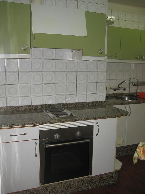 Piso en alquiler en calle Menendez Pelayo, As Travesas-Balaídos en Vigo - 294997303