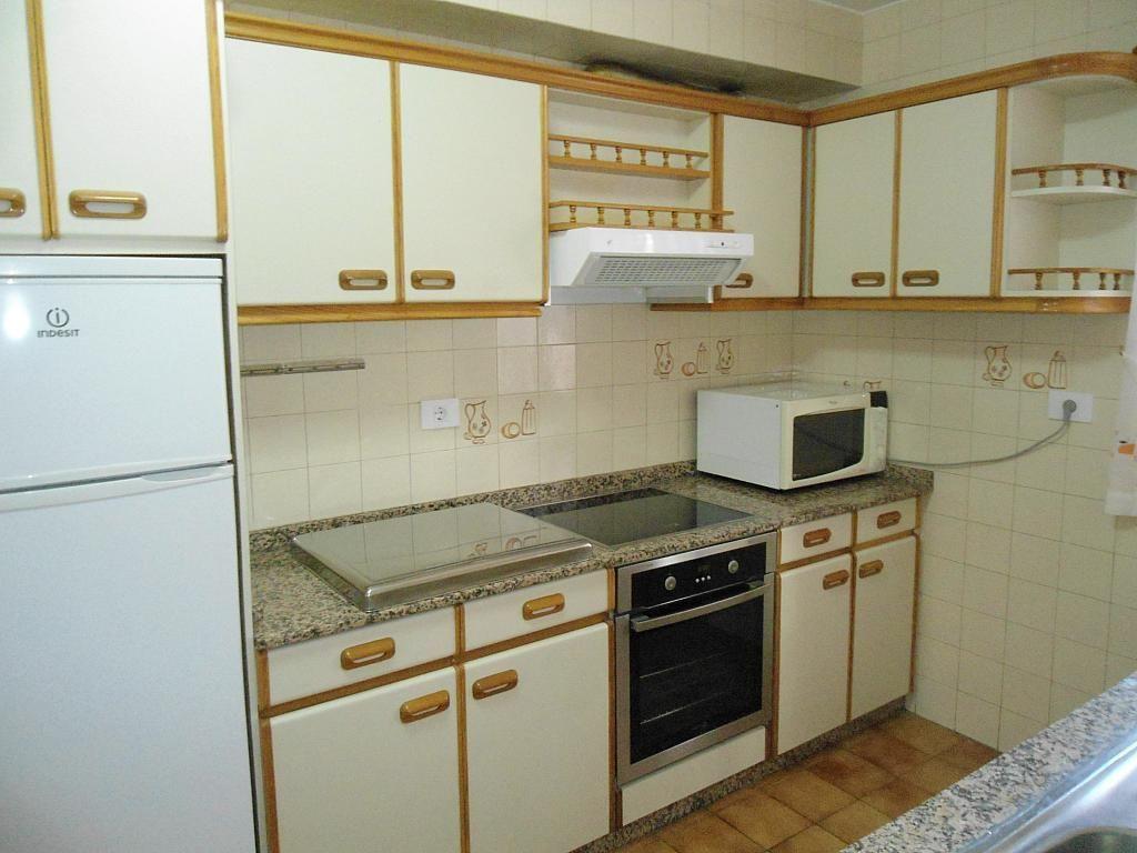 Cocina - Piso en alquiler en calle Gregorio Espino, Calvario-Santa Rita-Casablanca en Vigo - 189418147