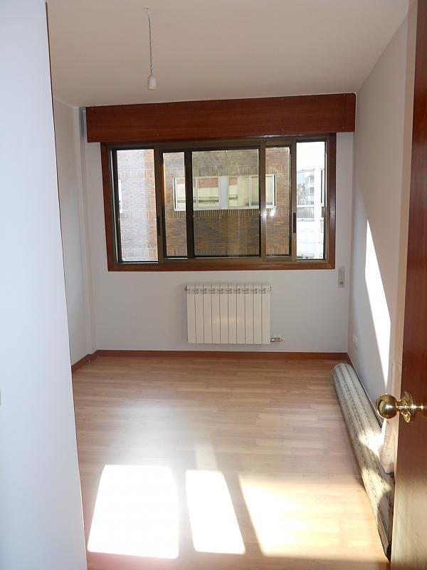 Piso en alquiler en calle Pi y Margall, Bouzas-Coia en Vigo - 204630336