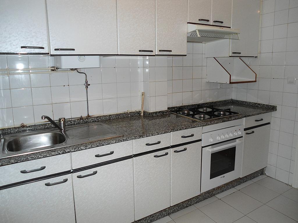 Piso en alquiler en calle Urzaiz, Calvario-Santa Rita-Casablanca en Vigo - 243352605