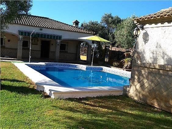 Casa en alquiler en Coria del Río - 309970515