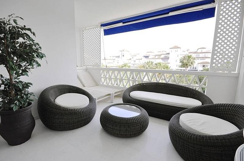 Piso en alquiler de temporada en calle Playas del Duque, Puerto Banús - 286196136