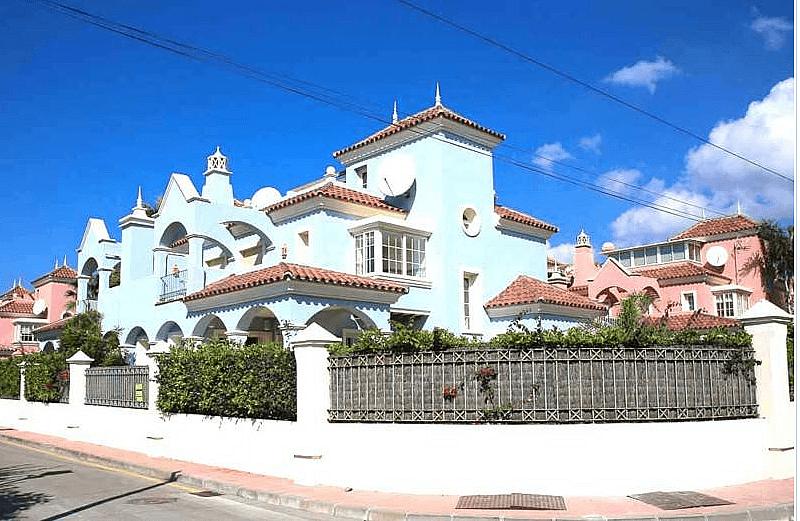 Appartamenti in affitto a Capri per lungo tempo a Puerto Banus