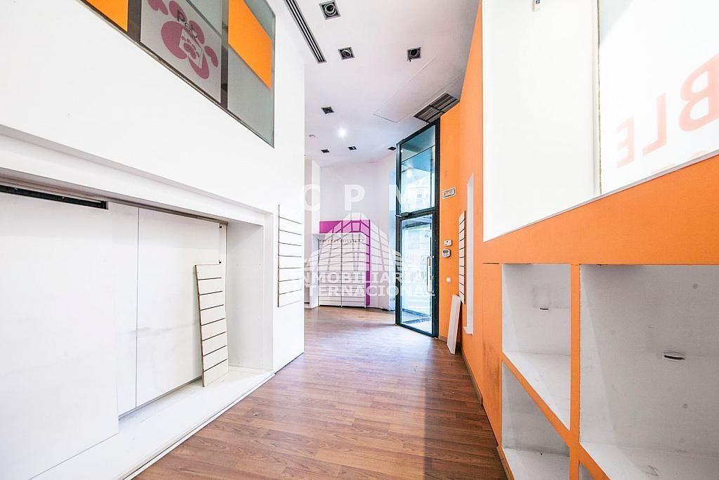 Local comercial en alquiler en Castellana en Madrid - 384636533