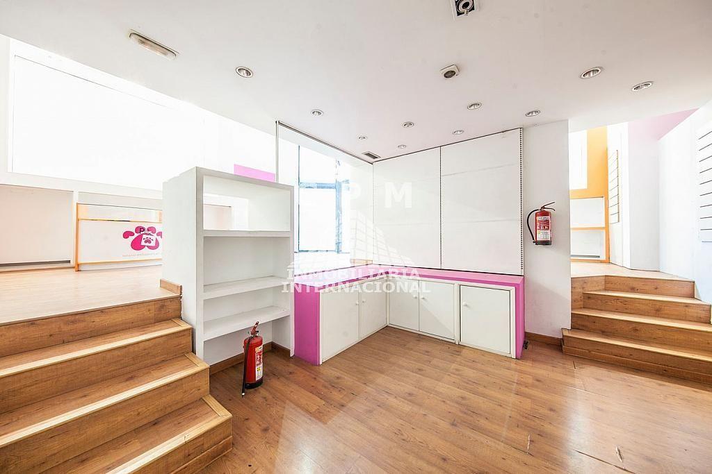 Local comercial en alquiler en Castellana en Madrid - 384636542