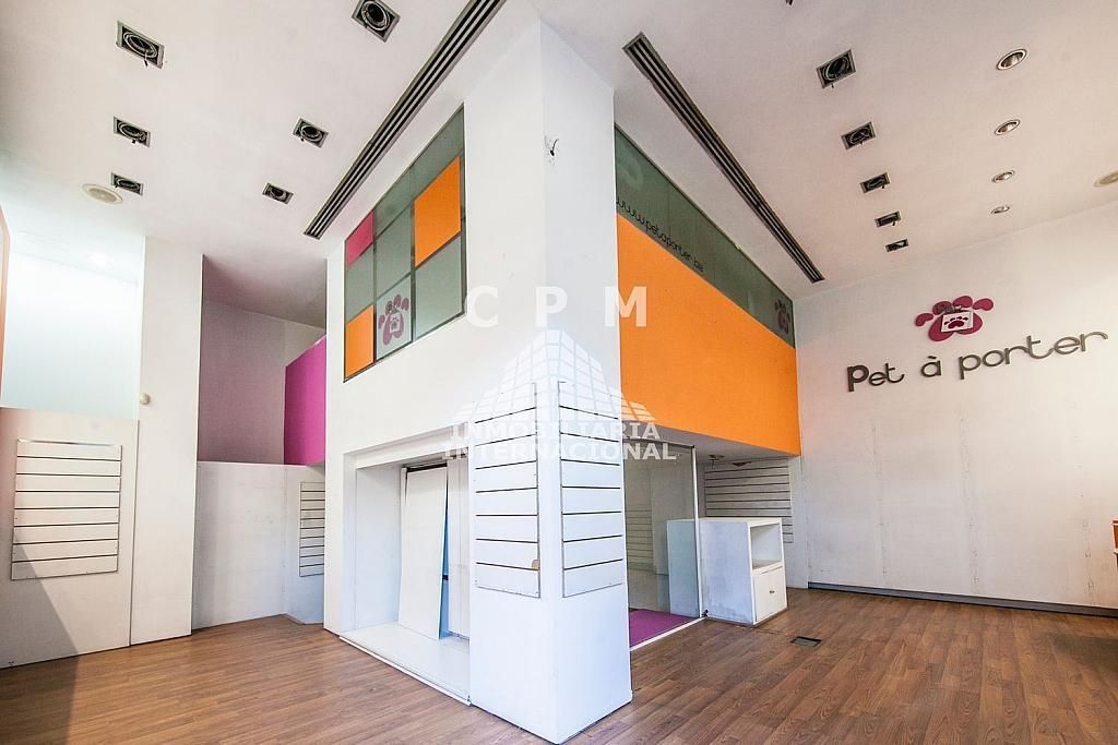 Local comercial en alquiler en Castellana en Madrid - 384636560