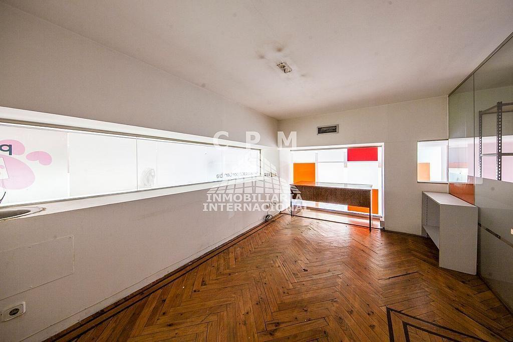 Local comercial en alquiler en Castellana en Madrid - 384636569