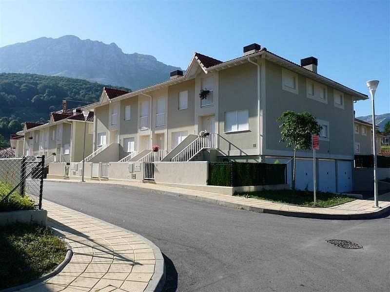Casa adosada en venta en calle centro arredondo 21772 for Arredando casa