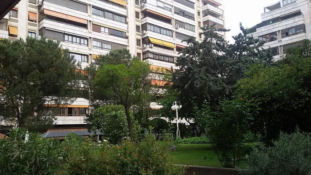 Local comercial en alquiler en calle De Fernández de Los Rios, Gaztambide en Madrid - 350027674