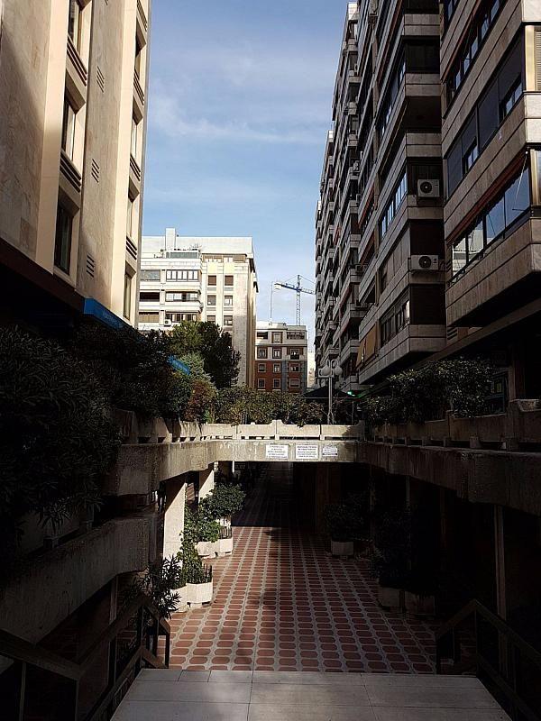 Local comercial en alquiler en calle De Fernández de Los Rios, Gaztambide en Madrid - 376538204
