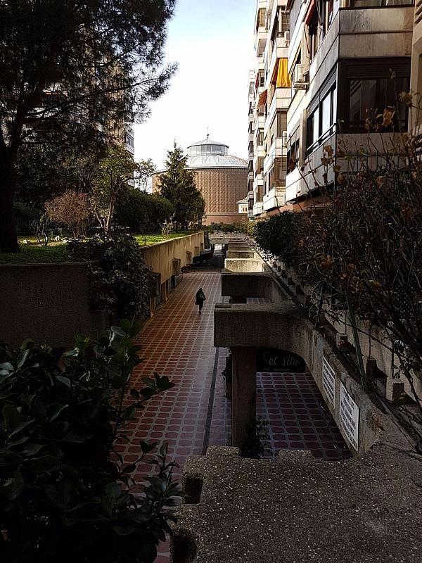 Local comercial en alquiler en calle De Fernández de Los Rios, Gaztambide en Madrid - 376538207