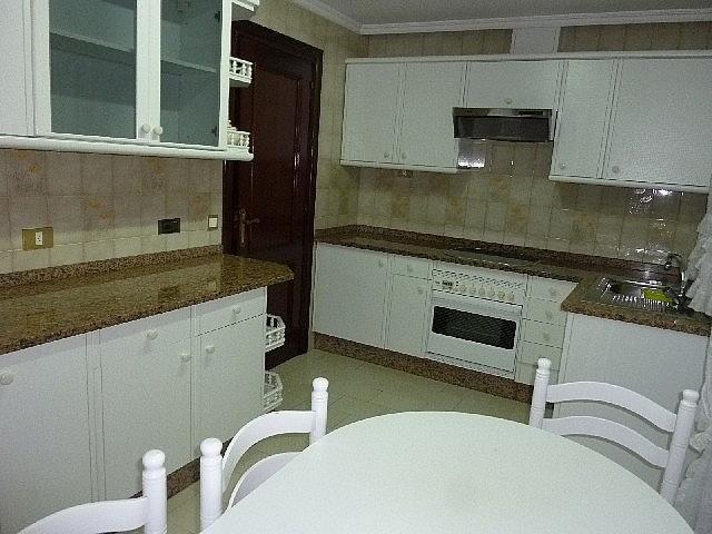 Foto - Piso en alquiler en calle Vazquez Varela, Vigo Casco Urbano en Vigo - 305089151