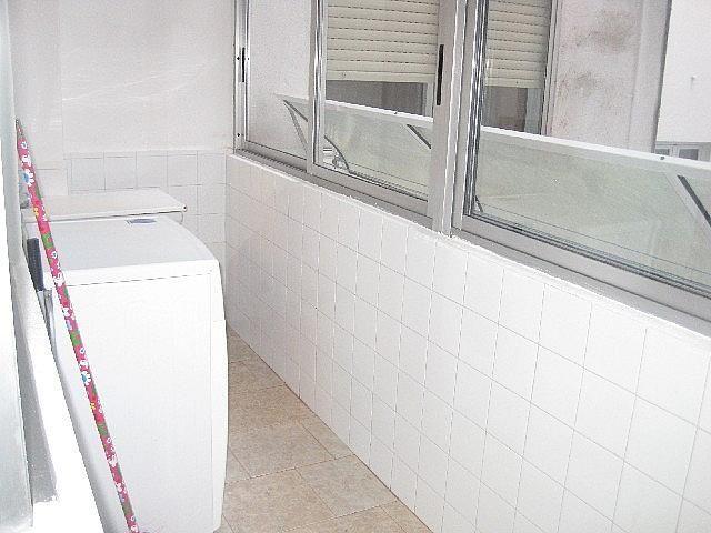 Foto - Piso en alquiler en calle Vazquez Varela, Vigo Casco Urbano en Vigo - 305089154