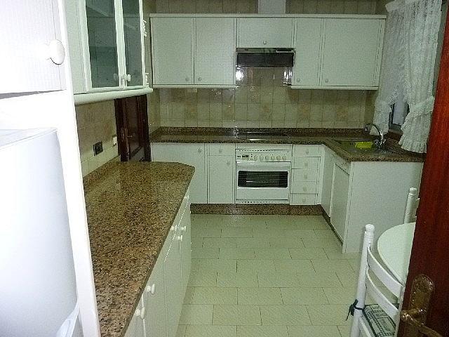 Foto - Piso en alquiler en calle Vazquez Varela, Vigo Casco Urbano en Vigo - 305089160