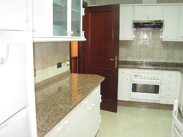 Foto - Piso en alquiler en calle Vazquez Varela, Vigo Casco Urbano en Vigo - 305089169