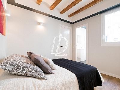 Apartamento en venta en El Raval en Barcelona - 330642621