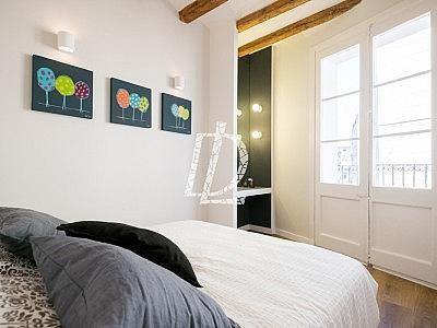 Apartamento en venta en El Raval en Barcelona - 330642627