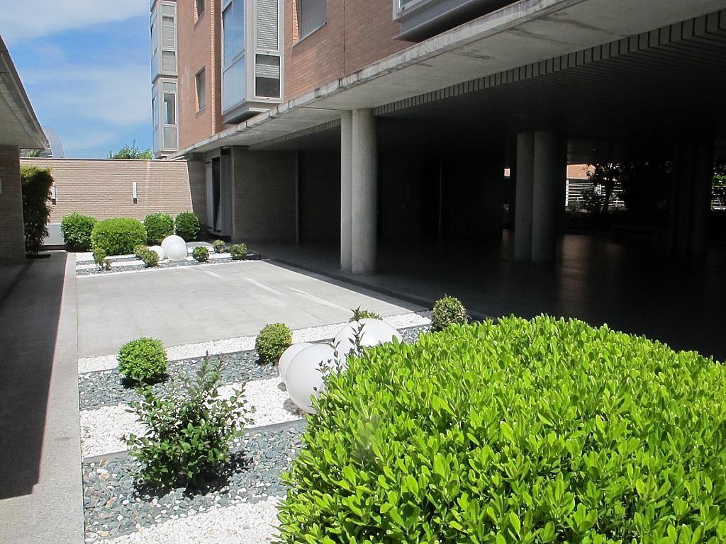 Piso en alquiler en calle Isabel Clara Eugenia, Sanchinarro en Madrid - 272261692