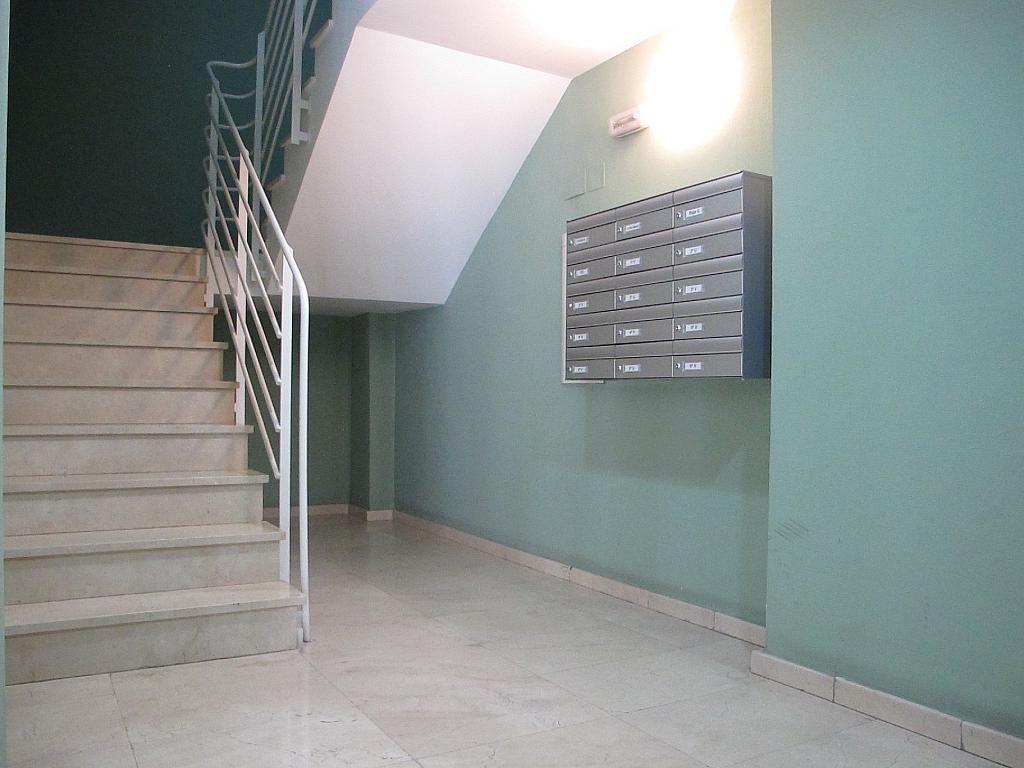 Piso en alquiler en calle Isabel Clara Eugenia, Sanchinarro en Madrid - 272261695