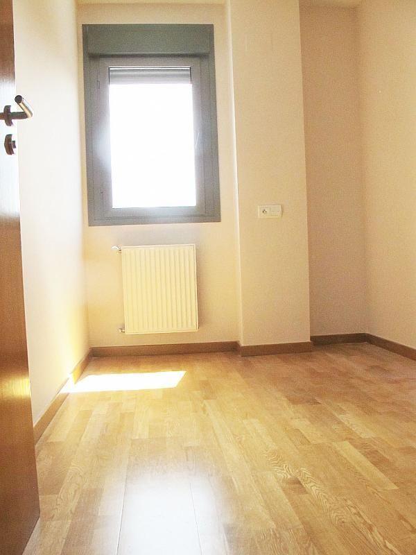 Piso en alquiler en calle Isabel Clara Eugenia, Sanchinarro en Madrid - 272261699