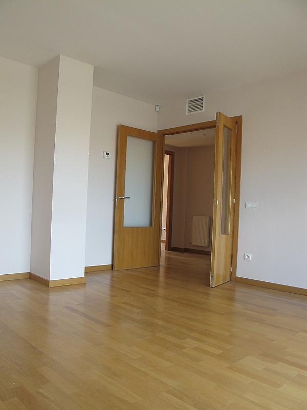 Piso en alquiler en calle Isabel Clara Eugenia, Sanchinarro en Madrid - 272261726