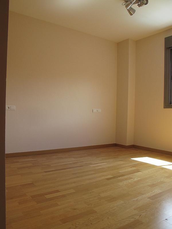 Piso en alquiler en calle Isabel Clara Eugenia, Sanchinarro en Madrid - 272261727