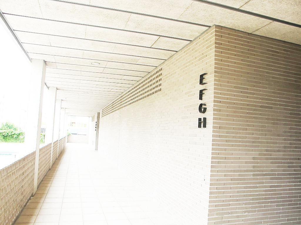 Piso en alquiler en calle Archiduque Carlos, Sanchinarro en Madrid - 273017332